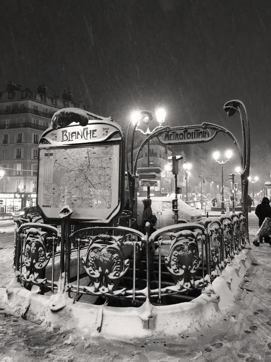 Station de métro Blanche