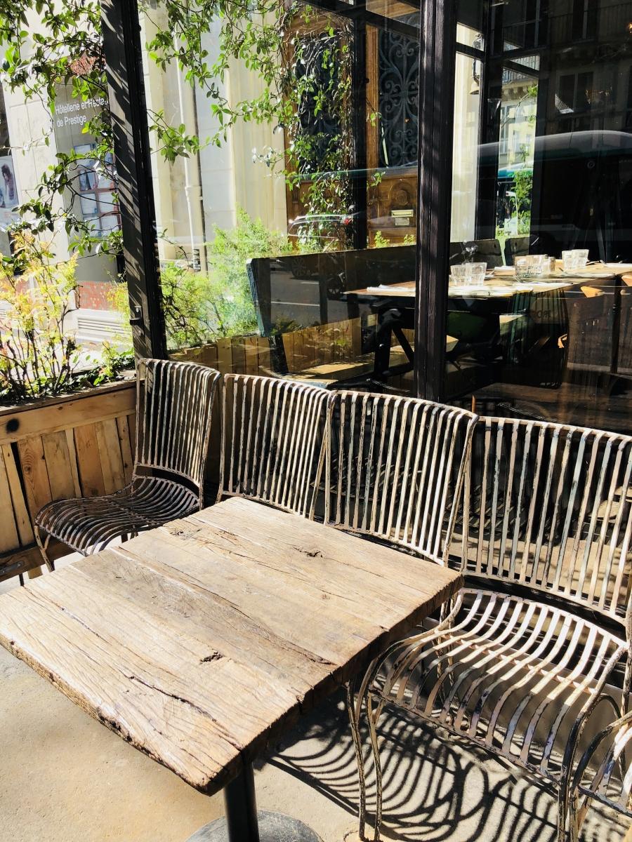 Bois et chaises Paris