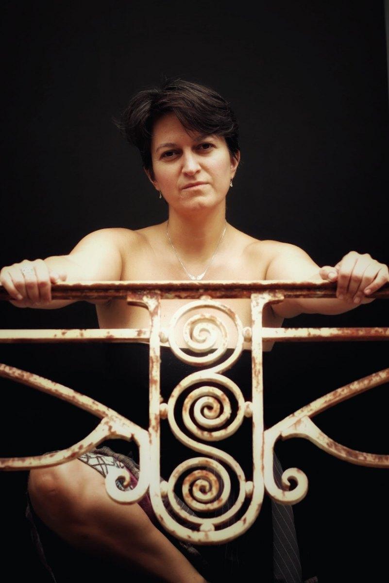 Christèle en urbex portrait femme photo-thérapie