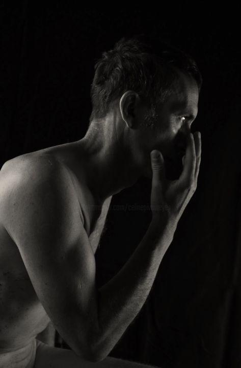 shooting modèle homme nu masculin artistique photothérapie photo-thérapie main oeil visage